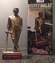 Harry-Kalas-Statue